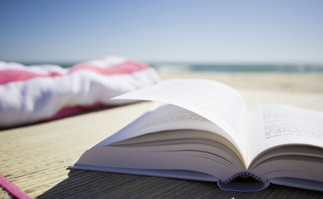 20 Books Every Marketer Should Add to Their Summer Reading List | LinkedIn Marketing Blog