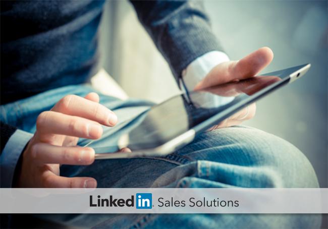 social-selling-man-on-ipad