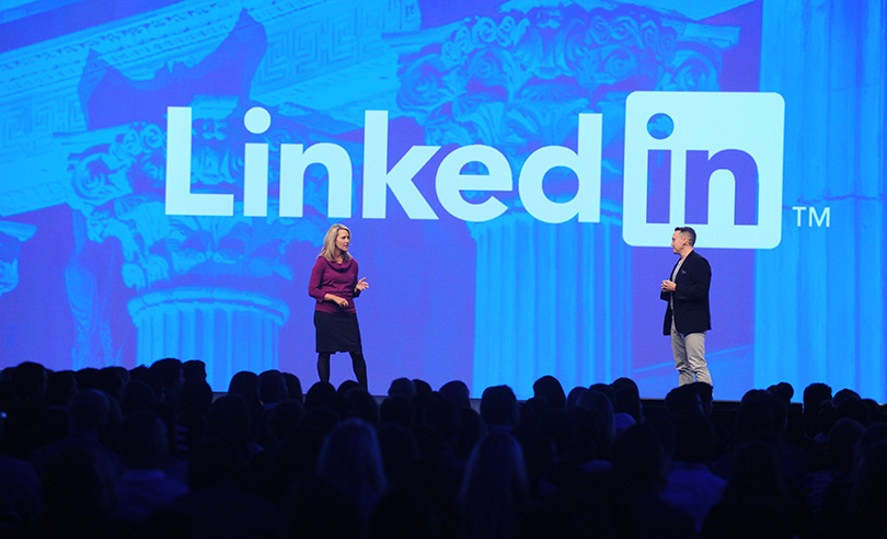 how to show recent experiences linkedin