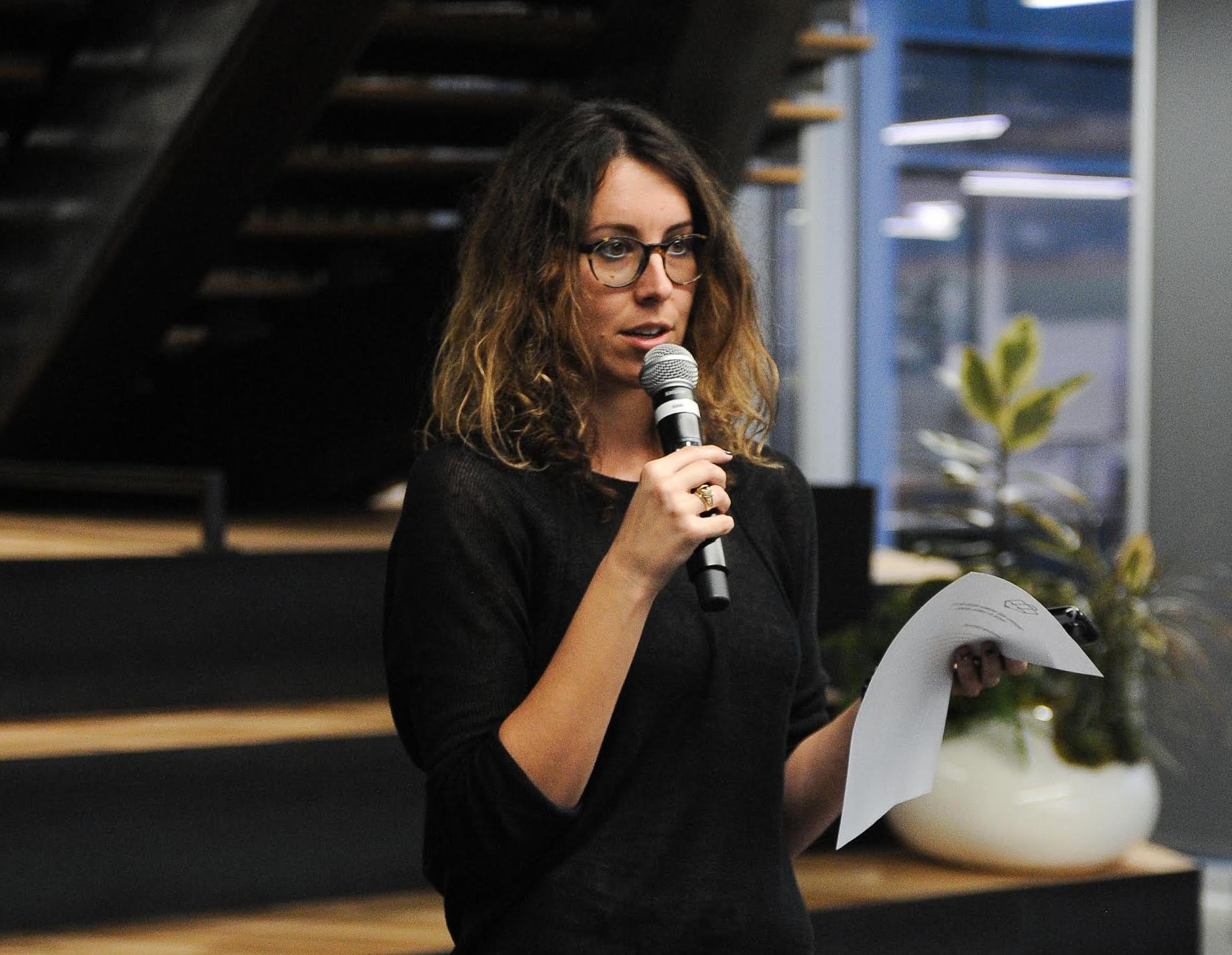 Ashland Viscosi built her business, Creatives Meets Business.